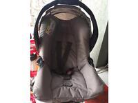 Newborn car seat £20