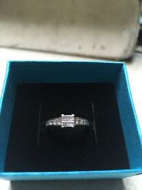 18k whit gold diamond ring for sale. Bought for £2100 a year ago on sale for £1000ono