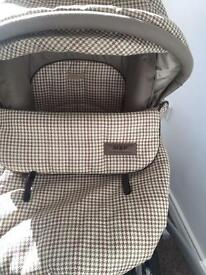 Rare!! Cream and brown tartan 3 in 1 travel system pram excellent condition