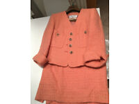 Fashionable pink women suit, 91% pure virgin wool, Made in Italy