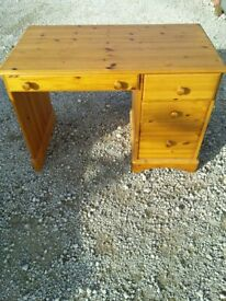 Pine Desk With 4 Drawers