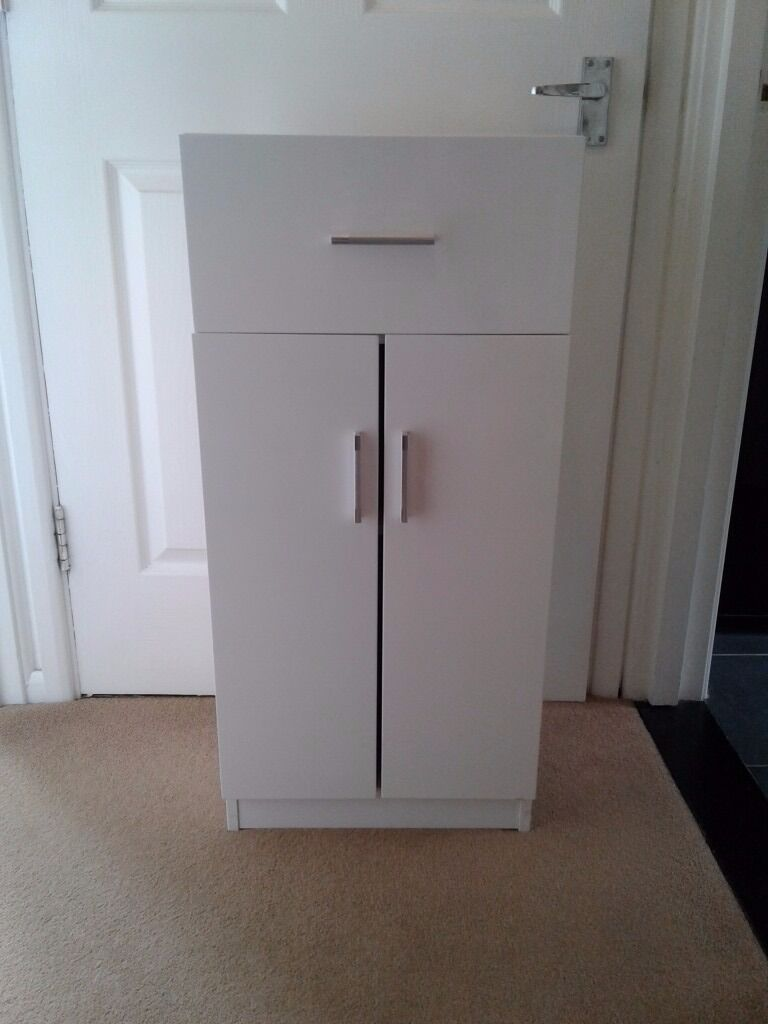 White gloss cabinet