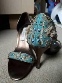 Dune - Size 3 Bronze/Turquoise heels