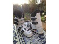 Childs white Salomon XB60 Energyser ski boots. UK Size 6