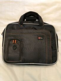 Brand new unused DURAGADGET tablet case with compartments and removable strap