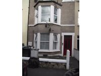 Spacious ground floor flat to rent, unfurnished - Llandudno town centre. £425 pcm
