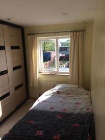 Single Room Newmarket to rent