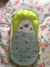 Summer infant fold and store bath support
