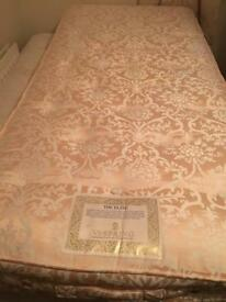 Quality Vi Spring single mattress-£80 delivered