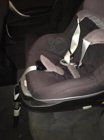 Maxi cosi pearl car seat with iso fix base