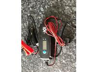 Car, motorbike battery charger with regeneration function