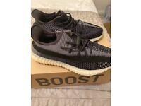 Adidas - Yeezy 350 V2 BNIB - Carbon size 9.5