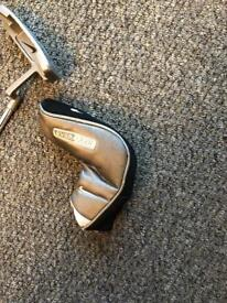 Nike everclear putter with head cover