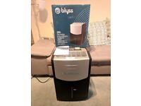 BLYSS AIR DEHUMIDIFIER 28 litre per day, 8 litre tank (like new) RRP £219 in BnQ