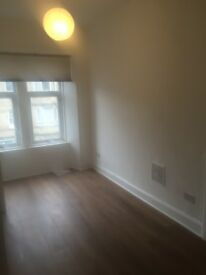 Furnished Bedsit for rent in Paisley.