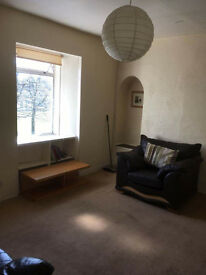 One bedroom flat to rent in Duntocher, newly refurbished shower room