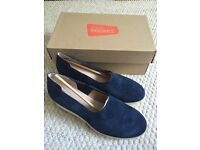 Clarks women's shoes. New with box. Size 6.