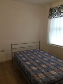 SINGLE AND DOUBLE ROOMS IN 73 CHISWICK ROAD N9 7AP