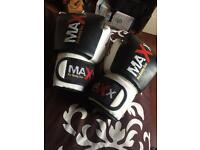 Boxing gloves , Maxx brand , Muay Thai , MMA , K1 , Boxing