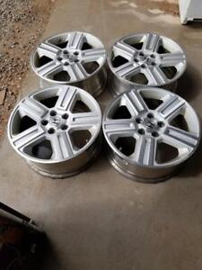 HONDA RIDGELINE / PILOT FACTORY OEM 18 INCH WHEELS WITH SENSORS.