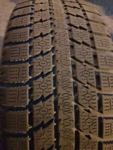 2 PNEUS HIVER - TOYO 215 55 18 - 2 WINTER TIRES