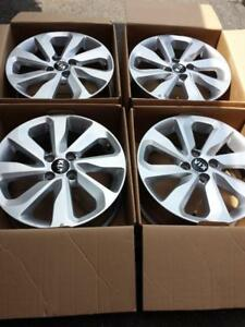 BRAND NEW TAKE OFF FACTORY OEM 2017 KIA RIO 16 INCH ALLOY WHEEL SET OF FOUR.