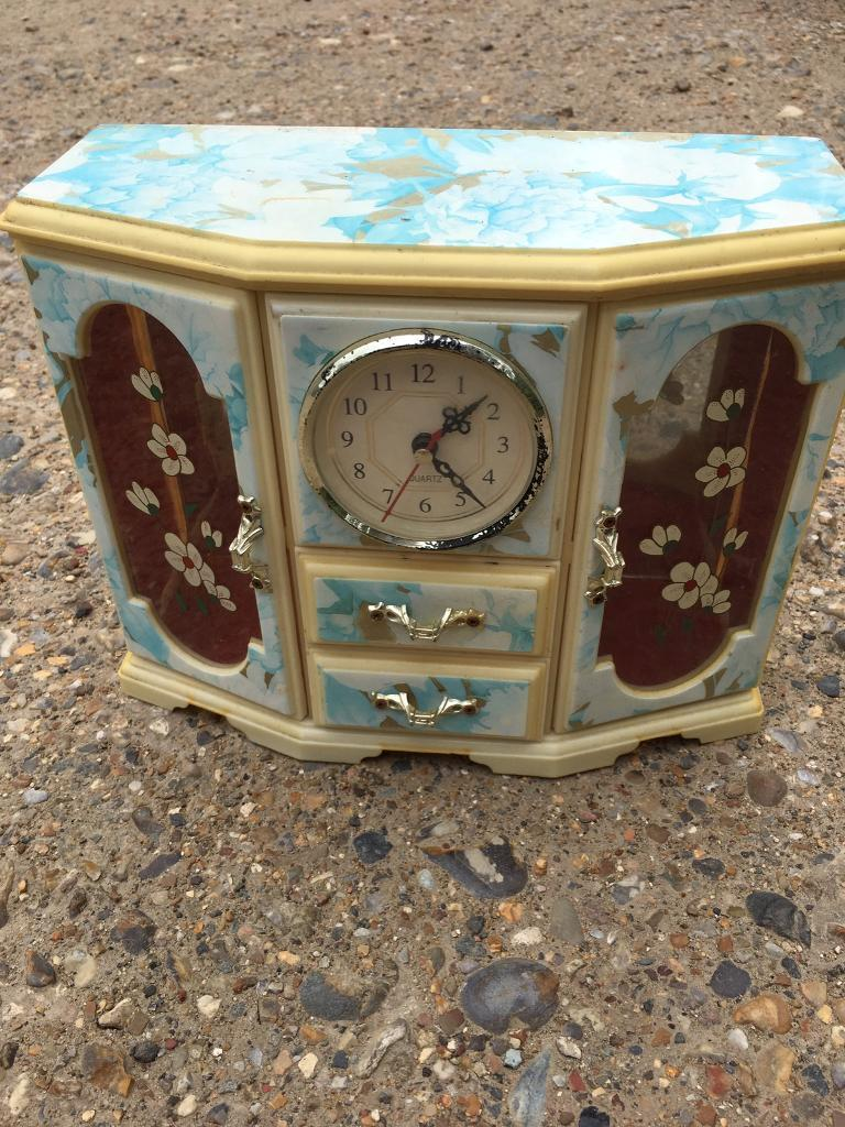Jewellery box clockin Caister on Sea, NorfolkGumtree - Jewellery box with clockHas been used From pet and smoke free home