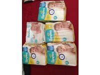 Selling more then 300 pampers nappies size 2