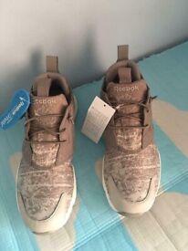 d765e97f9f0cb adidas Yeezy Boost 350 V2 Zebra Sply-350 UK SIZE 8.5 BNIB