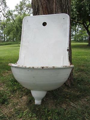 Antique Enamelware Wall Fountain / Sink ~ Vintage Primitive Garden Decor 9636