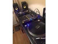 Pioneer PLX1000's + Pioneer DJM750K
