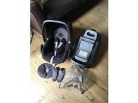 Maxi cosi pebble car seat and familyfix isofix with extras