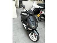 I sell my moped really nice condizion start first kik