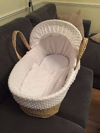 Moses Basket + rocking stand + waterproof mattress and bedding