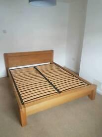 King size oak bed