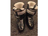 Ladies Salomon Ski boots size 25.5
