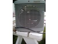 Frost Shield Greenhouse fan heater suitable for greenhouse or conservatory. Hot and cold air