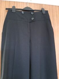 Ladies black NEXT pinstripe trousers – NEVER BEEN WORN – Size 8 - £5