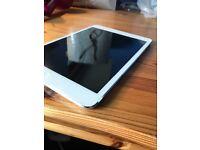Apple iPad Mini White 16gb good condition £150 ONO