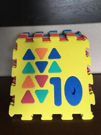 Number inserts puzzle mats