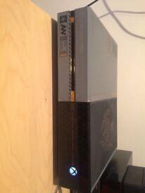 Xbox one 1tb limited edition advanced warfare model with matching controler and turtle beach headset