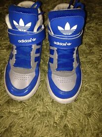 Boys adidas hitop trainers size 12.5