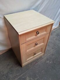 Furniture, bedsite cabinet, 3 drawers chest - CAN BE PAINT! for any colour
