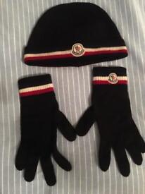 Moncler hat gloves set like new for sale