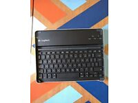 Logitech keyboard and cover for iPad2