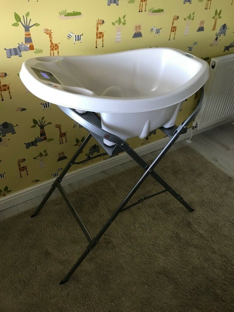 Aqua Scale baby bath and free Swinging Crib white | in Thornliebank ...