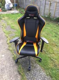 Gt omega racing chair
