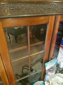 Soild wood unit with glass front and key lock