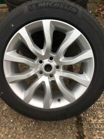 Range Rover wheels and tyres brand new