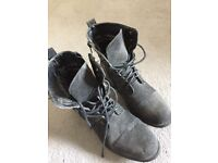 Boots size 5 brand new